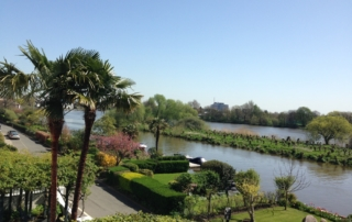 Large six bedroom property with swimming pool and views of River Thames